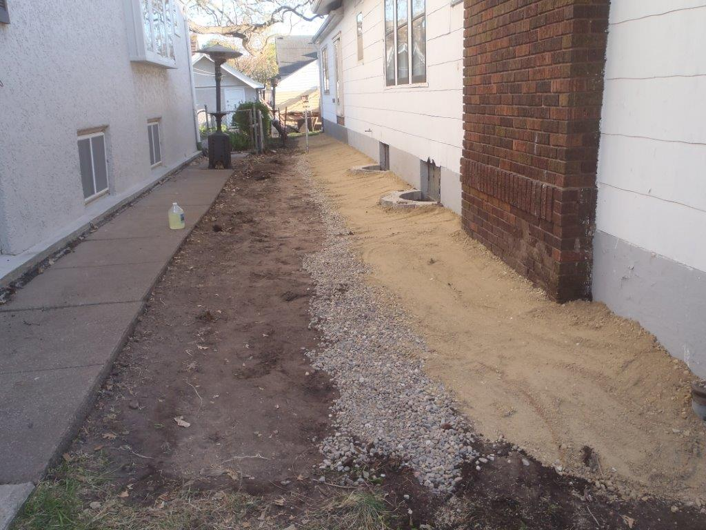 Exterior french drain for Outside drainage system