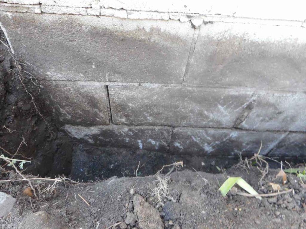 Cracked Mortar On Corner